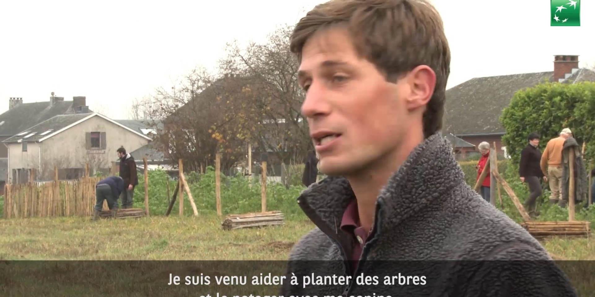 20 Chastrois aident à la plantation