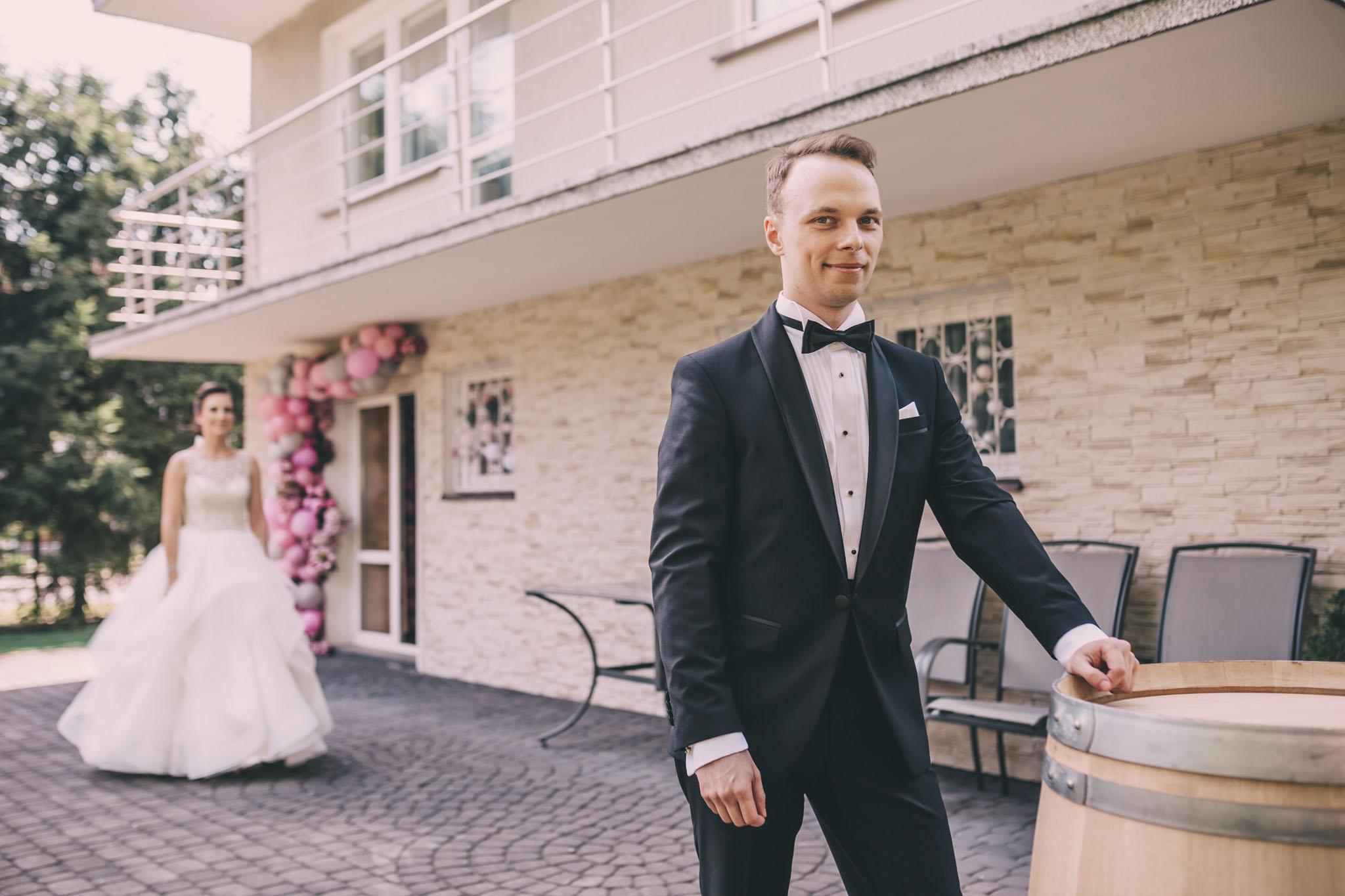 sesja first look w dniu ślubu Warszawa
