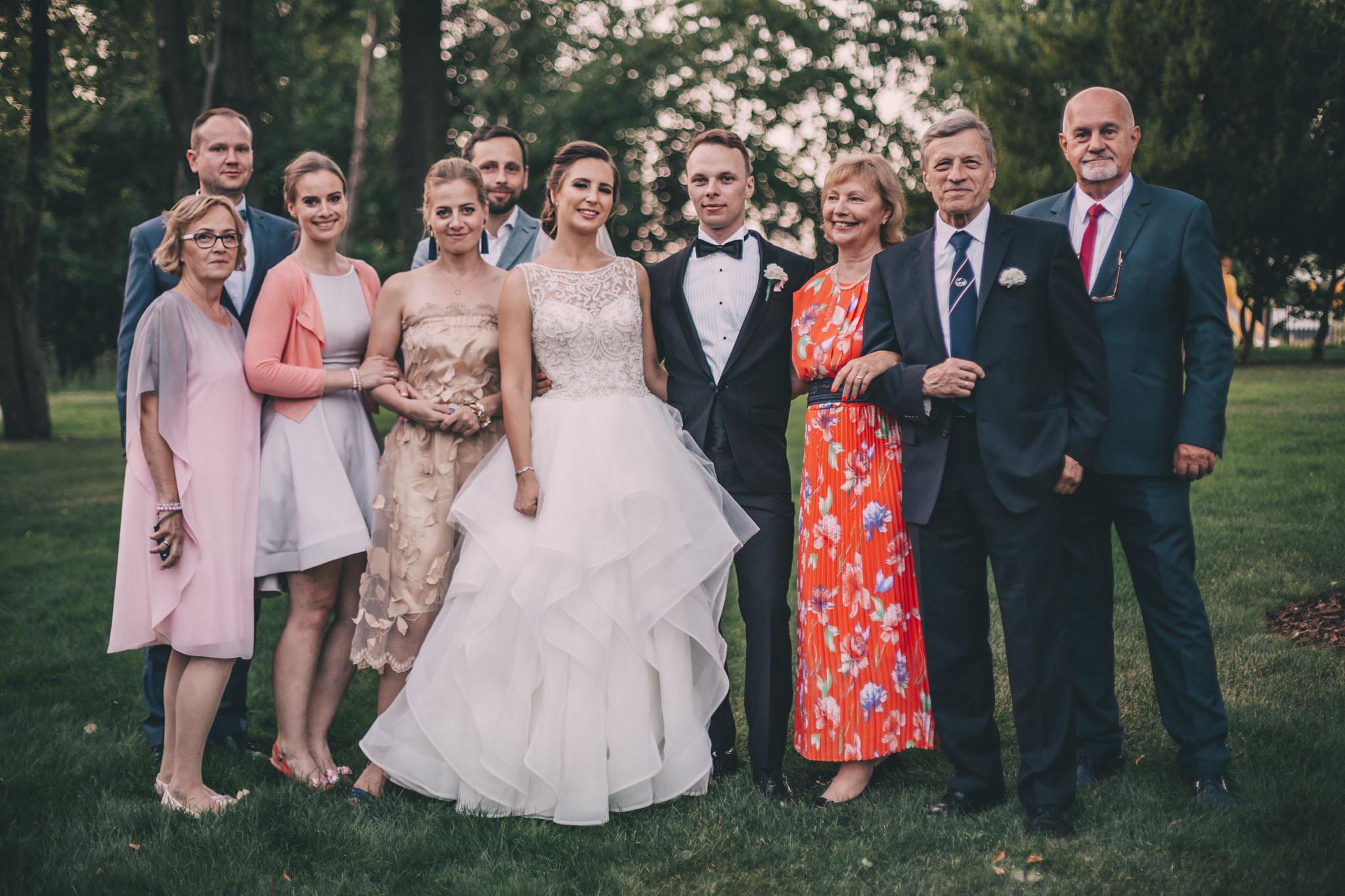 zdjęcia ślubne z rodziną