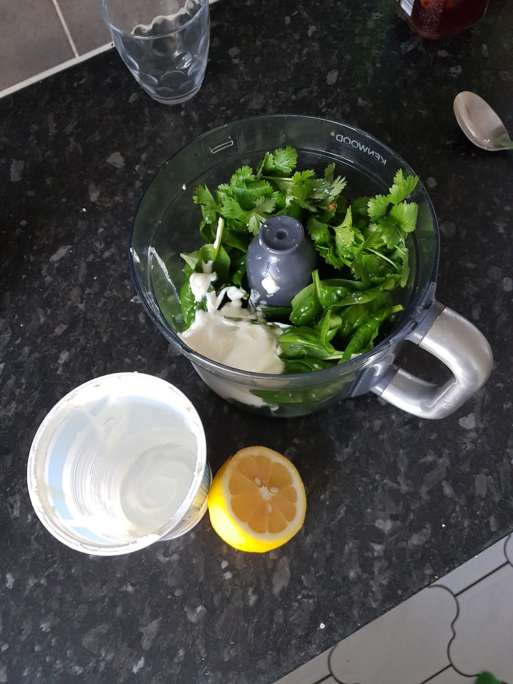 whiz up yoghurt and spinach