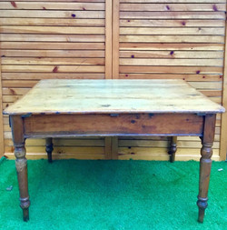 Old Pine Table 1880年代