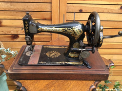 Sewing Machine(SINGER)