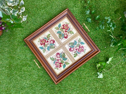 Sewing tray with tiles