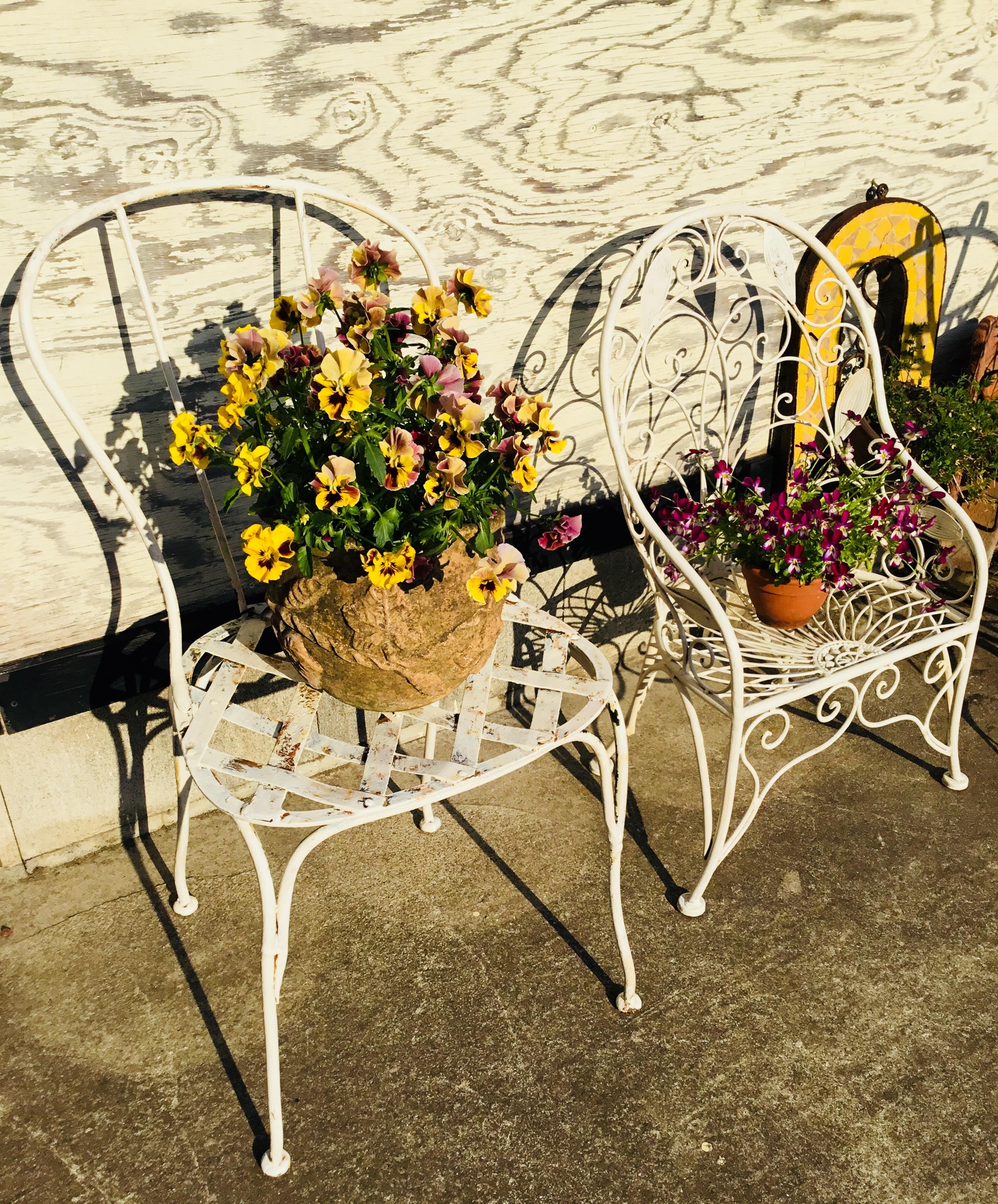 Iron mini chair