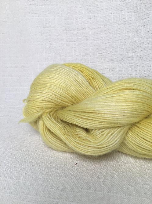 SG yellow yarn - sock weight/fingering wool