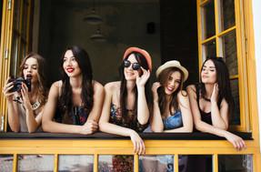 five-beautiful-young-girls-3W7YJUN.jpg