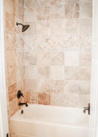 Upstairs Bath156.jpg