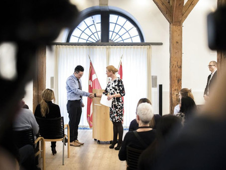 Giv nye danskere dispensation fra håndtryksceremonien og statsborgerskab med det samme