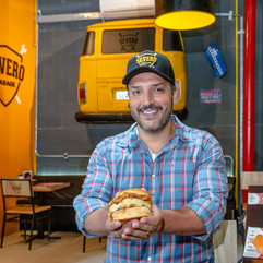 retrato com hamburger