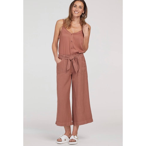 Wide leg capris with elastic waist