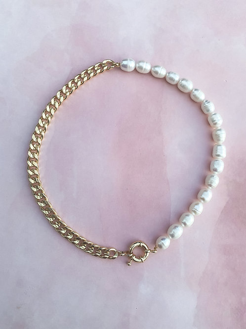 Pearls & Chain Necklace