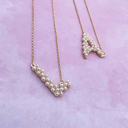 PREVENTA Pearls Initial Necklace