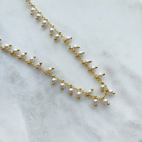 Tiny Pearls Chain Necklace