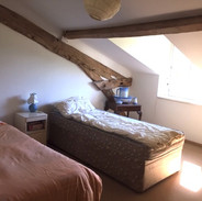 579 UP BED.JPG