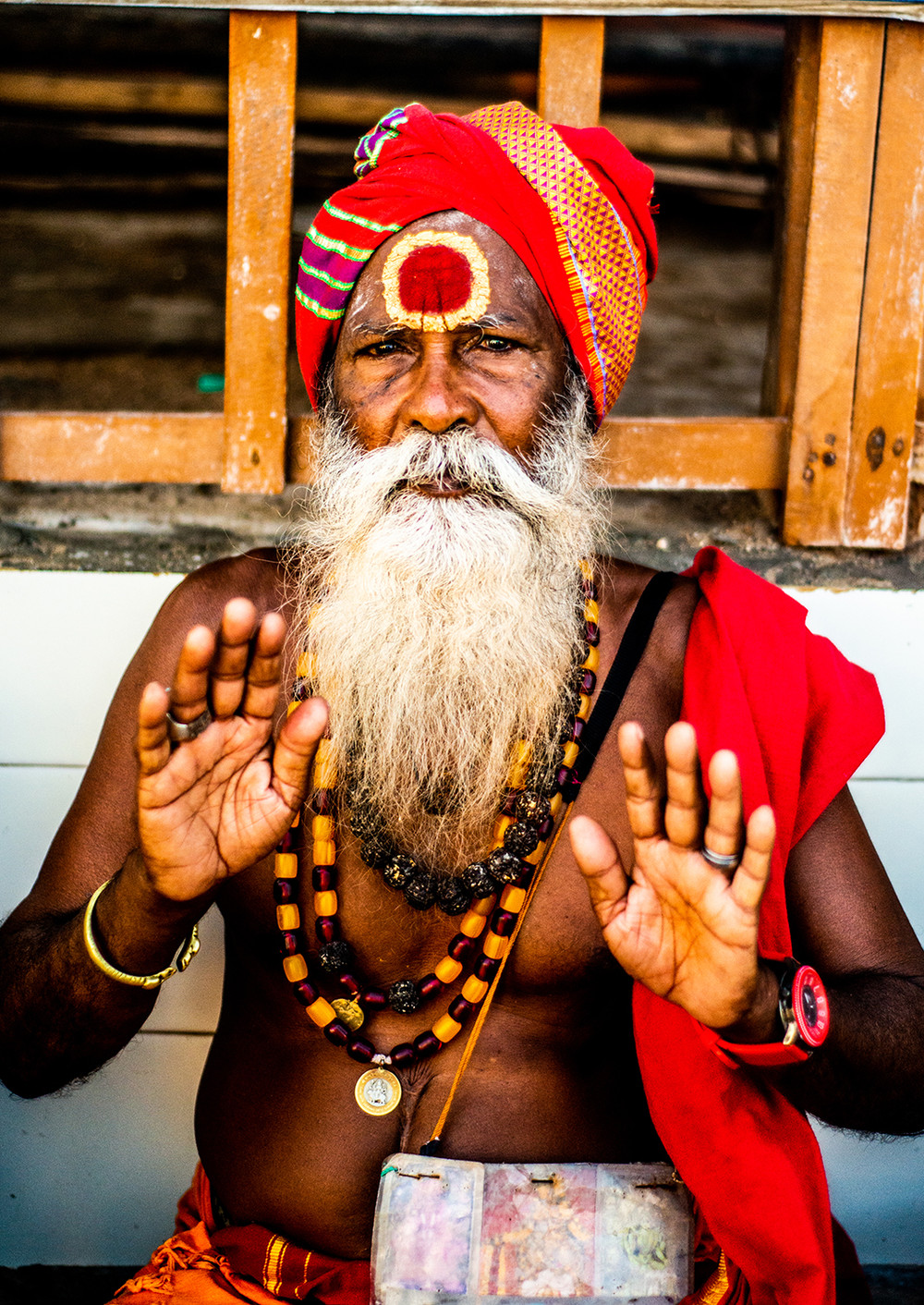 A pilgrim outside the Ramanathaswamy Tem