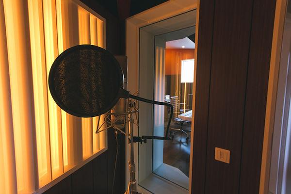 sångbås vocal booth microphon mikrofon neumann u87