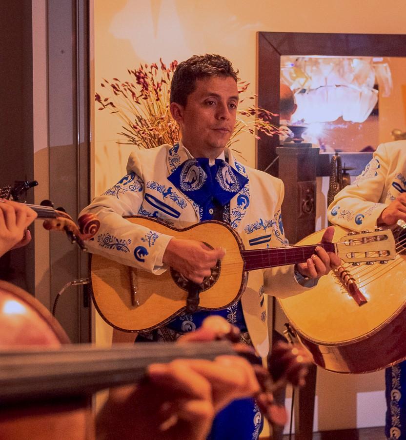 mariachis.en.medellin3