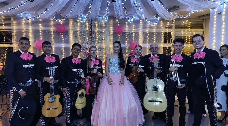 mariachis.en.medellin13.jpeg