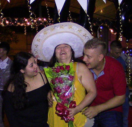 mariachis.en.medellin28.jpeg