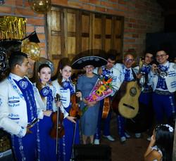 mariachis en medellin jovenes