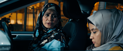 Not My Mother's Baking Movie Still - Celebrity Chef Siti has a heart-to-heart talk with her daughter Sarah