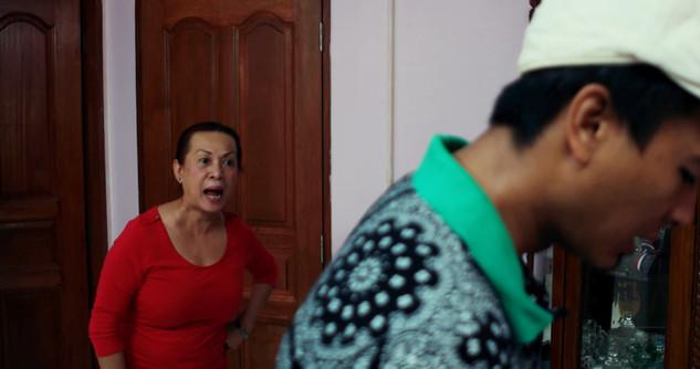 Mother confronts Haqim