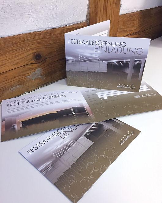 Grafik, Gestaltung, Produktionskoordination, Festsaal Eröffnungs-Einladung, Folder, Flyer, Hotel Banana City Winterthur