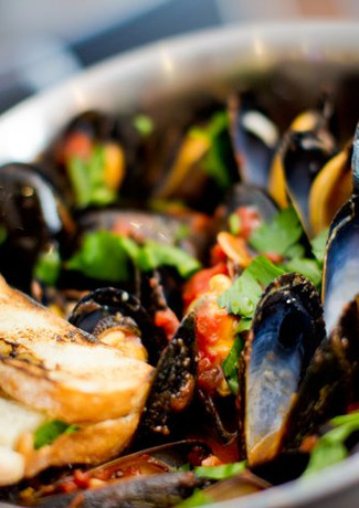 Wine steamed Steamed ¥1300 Mussels with toasted bread
