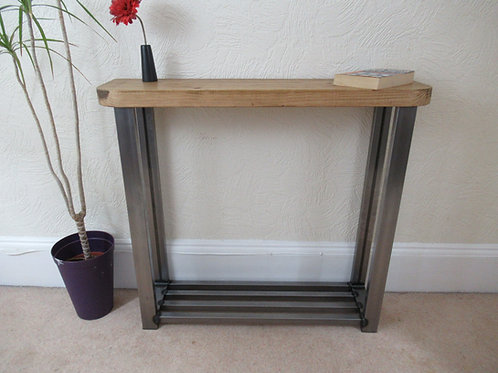516 : Hallway console table with rounded front edge and shoe storage to base