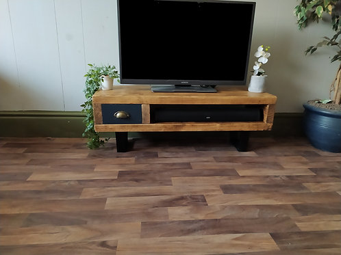 136 : Tv stand with black calia style legs low table with drawer