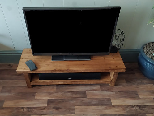 630 - Very low rustic tv stand with wireless charging point