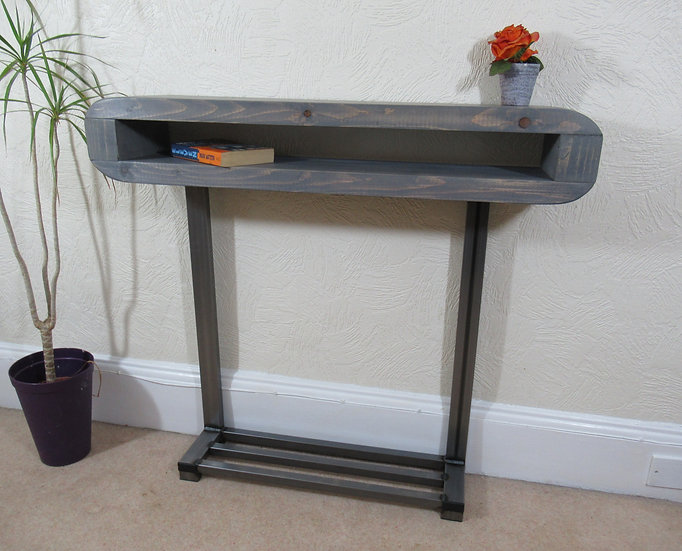530 : Console table with shoe storage to base hallway table