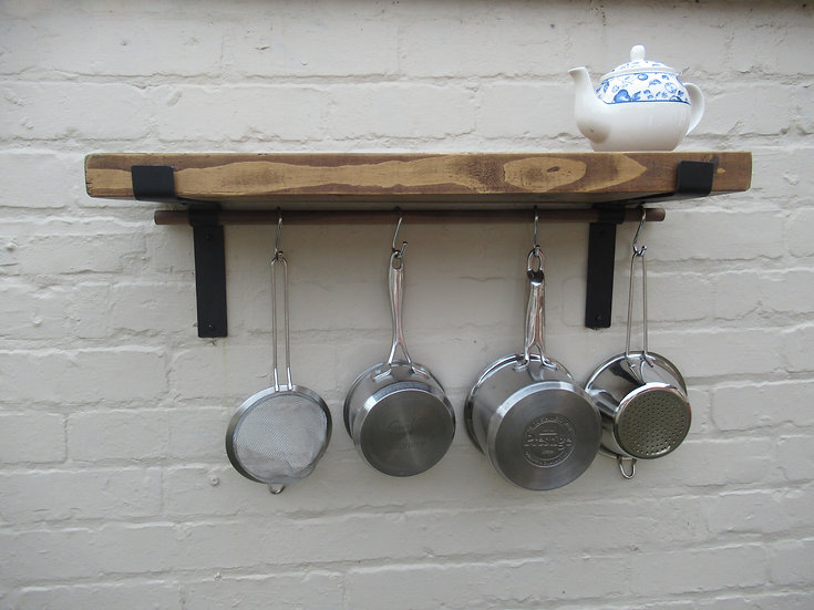 538 : kitchen shelves with Oak pot hanging rail narrow 17 cm