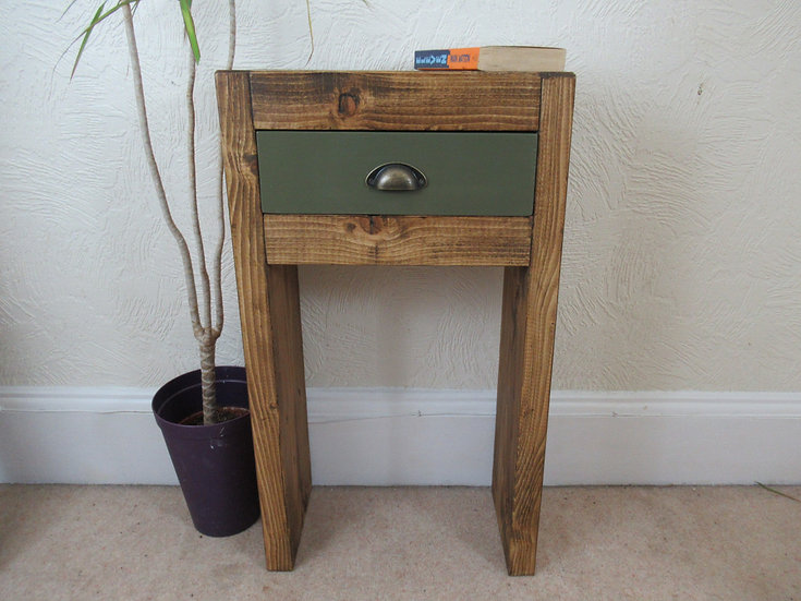 567 : Narrow chunky wood hallway console table with drawer