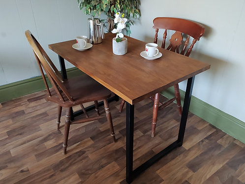 640 : Dining table made of solid Oak with steel base, kitchen table.