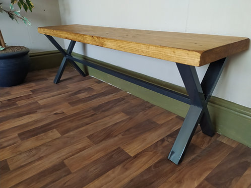 641 : X frame bench with deeper seat Anthracite frame