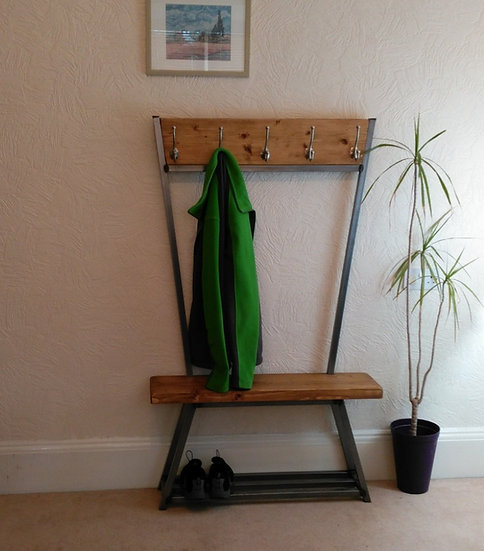331: Jacket / Coat stand with shoe storage bench to base