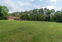 1/2 acre fenced yard