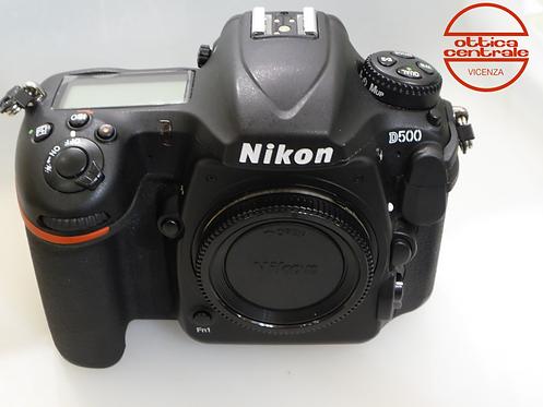 Fotocamera Nikon D500 con 16-80, prodotto fotografico usato
