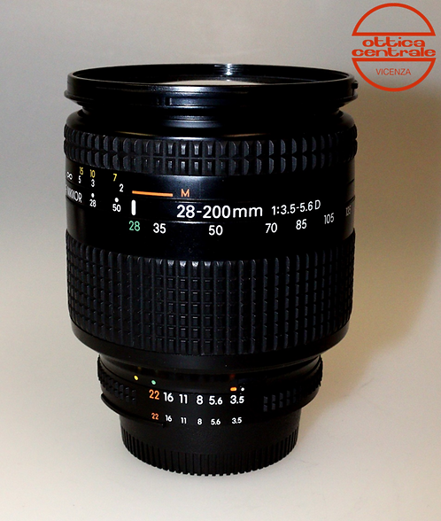 Obiettivo Nikon 28-200mm f/ 3,5-5,6