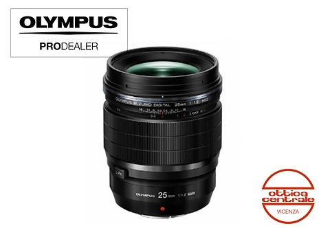 Obiettivo Olympus 25  mm f 1.2