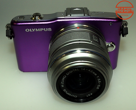 Fotocamera Olympus E-PL-1 Pink + Obiettivo Olympus 14-42 mm f / 3.5-5.6