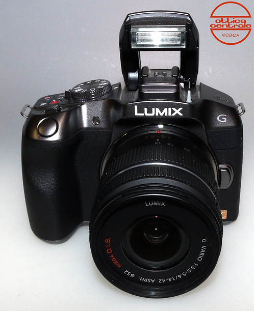 Fotocamera Panasonic LUMIX DMC-G6 + Obiettivo 4-42 mm f/3.5-5.6 ASPH O.I.S.