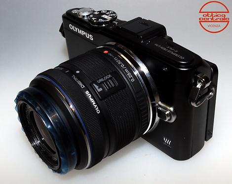 Fotocamera Olympus E-PL-5 + Obiettivo Olympus 14-42 mm f / 3.5-5.6