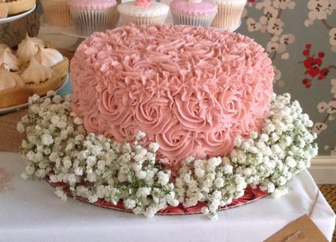 BUTTERCREAM SWIRLAND BABIES BREATHE WEDDING CAKE
