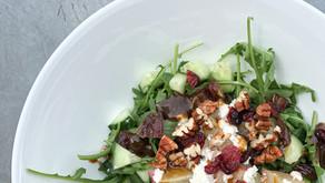 Lauwwarme wilde perzik geitenkaas salade (glutenvrij, sojavrij, vegetarisch)