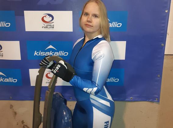 Erica Suomen kisapuvussa