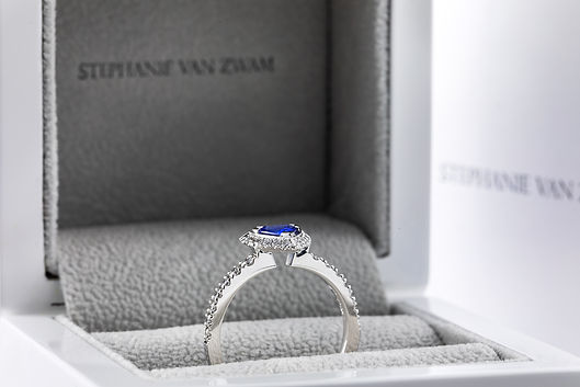 bespoke engagement and wedding rings, conscious responsible jewellery, lab grown diamond engagement rings, STEPHANIE VAN ZWAM Switzerland, ethical diamond engagement rings