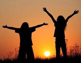 kids-praising-god.jpg