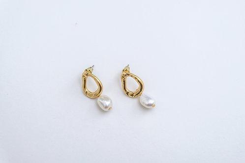 Hallow Pearl Drop Earrings